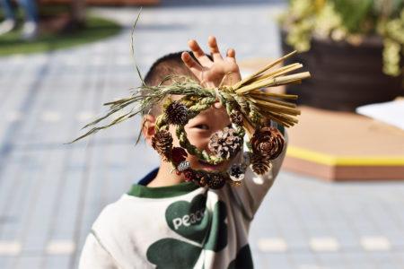 丹精込めて作られた稲わらを、しめ縄へと形を変えていくモノづくりのバトン。
